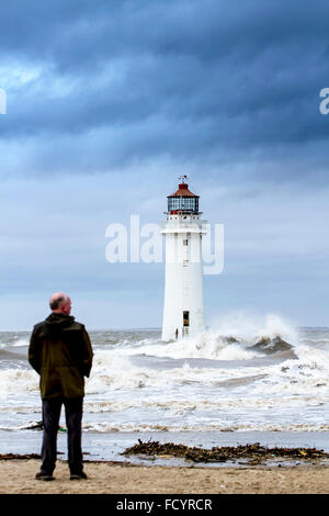 New Brighton, Birkenhead, Liverpool, UK. 26th January 2016. UK weather. High waves crash against the sea defences - Stock Photo
