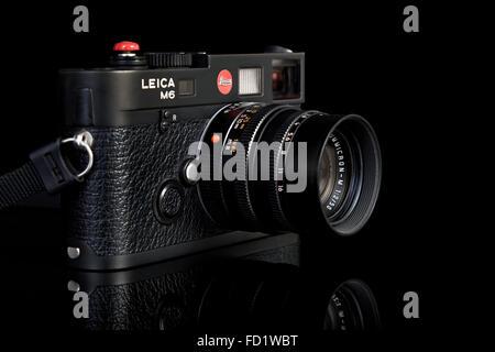 Film camera. Leica M6 TTL 35mm classic vintage rangefinder - Stock Photo