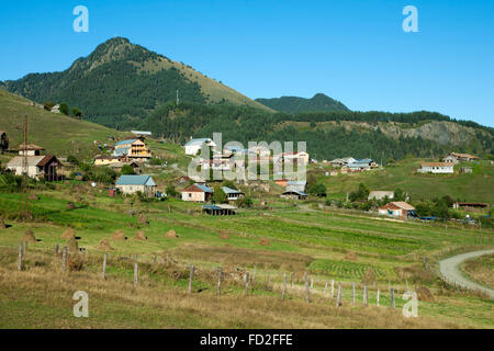 Georgien, Kachetien, Tuscheti-Nationalpark, Omalo - Stock Photo