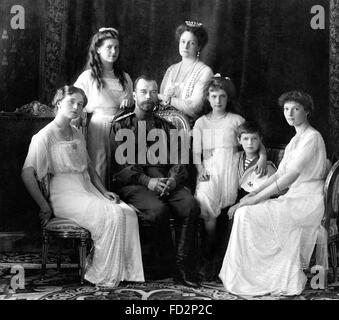 Tsar Nicholas II of Russia with his family, 1913 - Stock Photo