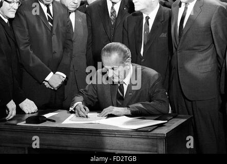 Lyndon B Johnson, the 36th President of the USA, signing the 1968 Civil Rights Bill, 11th April 1968 - Stock Photo