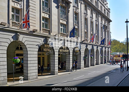 The Ritz Hotel in Piccadilly London - Stock Photo