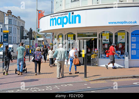 Maplin Electronics Gadgets and Computing store located on a corner site in Croydon London - Stock Photo