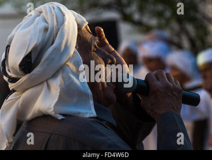 old man singing during a wedding ceremony, Hormozgan, Bandar-e Kong, Iran - Stock Photo