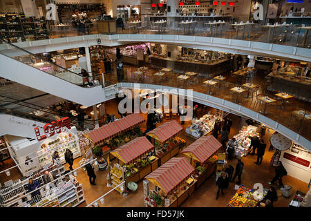 Eataly shop in milan italy stock photo royalty free for Eataly milano piazza 25 aprile