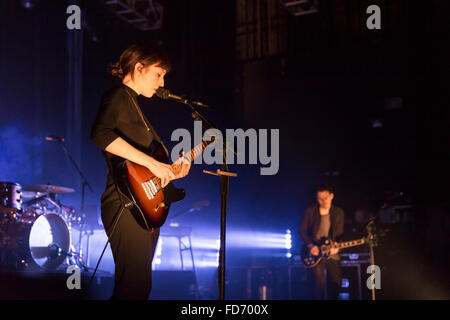 London, UK, 28th Jan 2016. Daughter Live Performance at o2 Kentish Town Forum. © Robert Stainforth/Alamy - Stock Photo