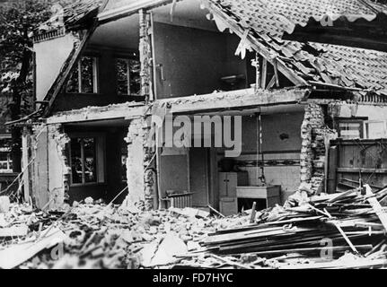 Bomb damage at a residential building in Hamburg, 1940 - Stock Photo