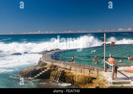 Bronte Ocean Baths Swimming Pool With Beach In Background Sydney New Stock Photo 89176559 Alamy