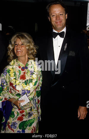 Washington, DC., USA, 14th May, 1988 Peter Fonda and his wife Portia at the Cancer Ball. Credit: Mark Reinstein - Stock Photo