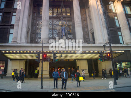 View of the main entrance of Selfridges department store in Oxford Street London UK. - Stock Photo