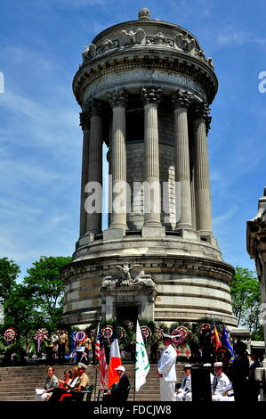 New York City: Memorial Day observances at the Soldiers and Sailors Monument in Riverside Park * - Stock Photo