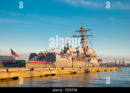USS Stockdale (DDG-106) is an Arleigh Burke-class guided missile destroyer in the United States Navy. Docked here - Stock Photo