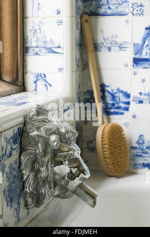 The Bathroom at Packwood House, with bath products. - Stock Photo
