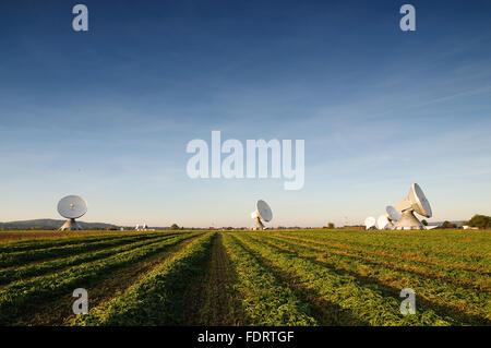 radio station,satellite,earth station raisting - Stock Photo