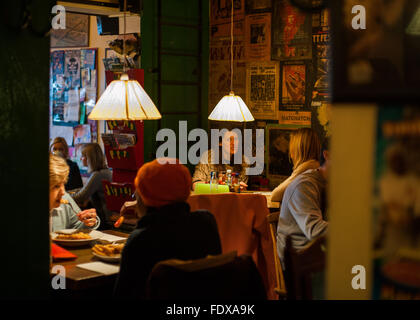 Customers having lunch at a cafe in Crouch End, North London - Stock Photo