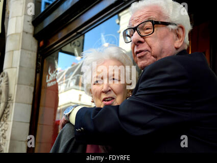 Barry Cryer and June Whitfield outside the Oldie of the Year Awards, Simpsons, the Strand, London 2nd Feb 2016 - Stock Photo