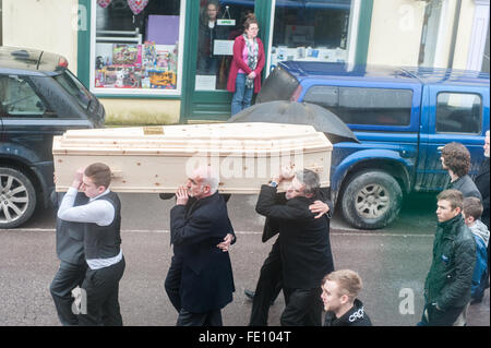 Schull, Ireland. 3rd February, 2016.  Colin Vearncombe's coffin is carried along Main Street, Schull to St Mary's - Stock Photo