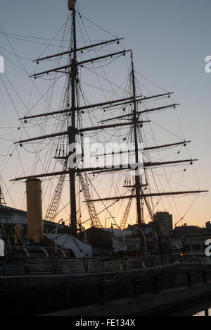 Foremast and mainmast rigging, RRS Discovery, Discovery Point, Dundee, Scotland, UK - Stock Photo
