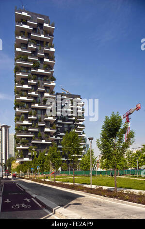 Milan - New buildings constructed in the district of Garibaldi Station, near Isola district,  Bosco Verticale - - Stock Photo