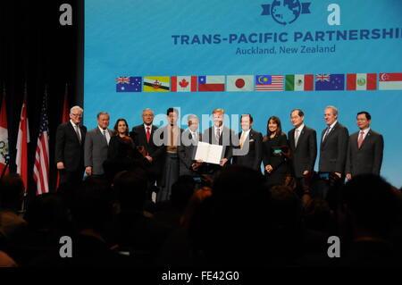 Auckland, New Zealand. 4th February, 2016. Trade representatives of the 12 Trans-Pacific Partnership (TPP) member - Stock Photo