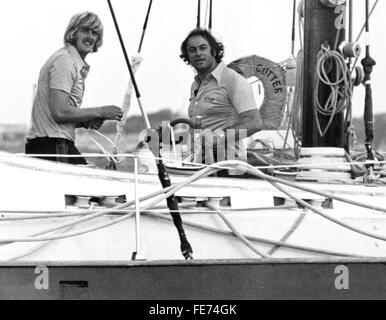 AJAX NEWS PHOTOS - 1974 - PLYMOUTH, ENGLAND. YACHTSMEN PETER BLAKE (L) AND SKIPPER LES WILLIAMS ON BURTON CUTTER - Stock Photo