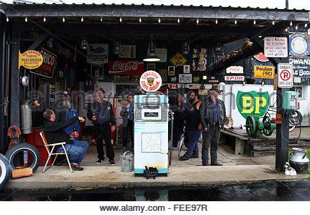 Vintage Gas Station in Baltimore Ontario,  Coasters Car Rally members, Coasters Car Rally, Baltimore Ontario Canada - Stock Photo