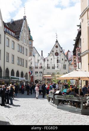 Street scene, Vana turg, Old Town, Tallinn, Harju County, Republic of Estonia - Stock Photo