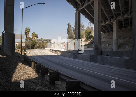 Los Angeles, California, USA. 6th Feb, 2016. The Sixth Street Bridge Demolition over the 101 Freeway, as seen from - Stock Photo