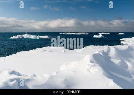 Elevated view of icebergs in Disko Bay, Greenland - Stock Photo