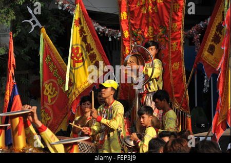 Phnom Penh, Cambodia. 8th Feb, 2016. Phnom Penh celebrates Chinese New Year (Year of the Monkey) w/ Chinese music - Stock Photo