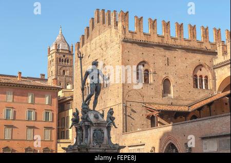 Neptune Fountain Bologna, view of the statue of Neptune and Palazzo Re Enzo in the Piazza del Nettuno in the centre - Stock Photo