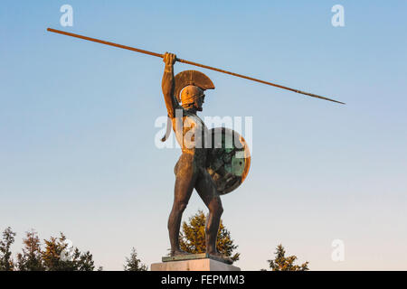 near Kamena Vourla, Central Greece, Greece.  Statue of Leonidas on the monument celebrating the Battle of Thermopylae - Stock Photo