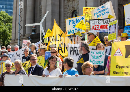 Melbourne, Australia. 9th February, 2016. Anti CSG protesters gather outside Parliament house in Melbourne to rally - Stock Photo