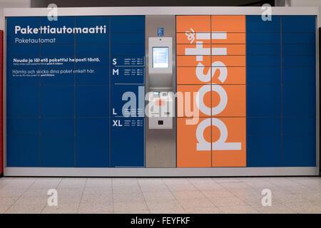 Rovaniemi, Lapland, Finland. 08th Feb, 2016. A Finnish parcel machine (Pakettiautomaatti) of the Finnish postal - Stock Photo