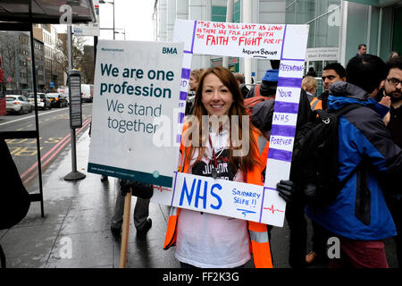 London, UK, 10th February 2016. Junior doctors go on strike for the second time this year, in relation to the ongoing - Stock Photo