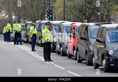 London, UK. 10th February, 2016. Thousands of black cab drivers bring central London to a standstill in protest - Stock Photo