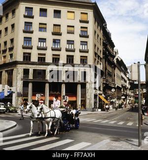 geography / travel, Austria, Vienna, street scene, hackney carriage on the Michaeler Platz, Loos House, 1970s, Additional - Stock Photo