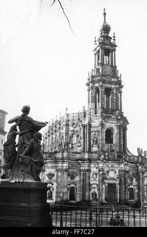 geography / travel, Germany, Dresden, churches, Dresden Cathedral, exterior view, 21.1.1958, Additional-Rights-Clearences - Stock Photo