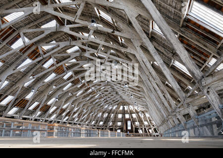 Mezzanine floor, No 3 Slip Cover Chatham Historic Dockyard, Kent, England, UK. - Stock Photo