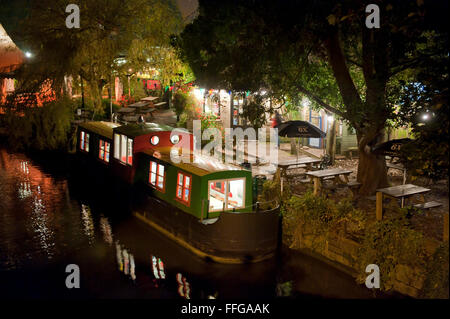 Canal boat converted to a tea room at 'The Lock Inn' Cafe,  Kennet and Avon Canal in Bradford on Avon Wiltshire - Stock Photo
