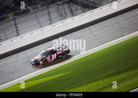Daytona Beach, FL, USA. 13th Feb, 2016. Daytona Beach, FL - Feb 13, 2016: Denny Hamlin (11) wins the Sprint Unlimited - Stock Photo