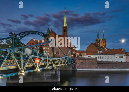 Cathedral Bridge. On the Cathedral Island are the Cross Church (left) and the Wroclaw Cathedral (right), Wroclaw, - Stock Photo