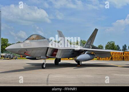 Singapore. 14th Feb 2016. Aerial display at Singapore Airshow 2016. US Air Force Lockheed Martin F-22 Raptor stealth - Stock Photo