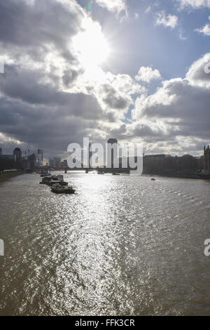 Westminster, London, UK. 15th February 2016. UK Weather: London winter sunshine over the Thames in Westminster © - Stock Photo