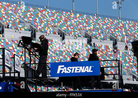 Daytona Beach, FL, USA. 13th Feb, 2016. Daytona Beach, FL - Feb 13, 2016: look over data during practice for the - Stock Photo