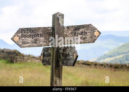 Wooden signpost, Carlton, Yorkshire Dales, England - Stock Photo