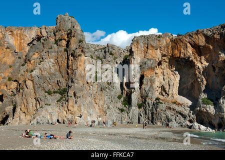 Griechenland, Kreta, die Schlucht Agiofarango endet an einem einsamen Kieselstrand. - Stock Photo