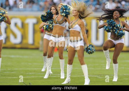 Jacksonville, FL, USA. 24th Aug, 2013. Jacksonville Jaguars. cheerleaders prior to a preseason NFL game against - Stock Photo