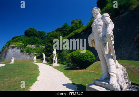 France, Meuse (55), Verdun town, Carrefour des Marechaux, commemorative syatues of old generals  // Meuse (55), - Stock Photo