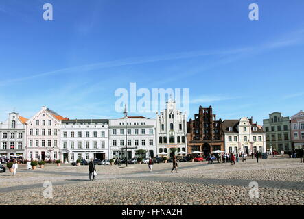 geography / travel, Germany, Mecklenburg-West Pomerania, Wismar, Am Markt, market-place, 'Alter Schwede' (building), - Stock Photo
